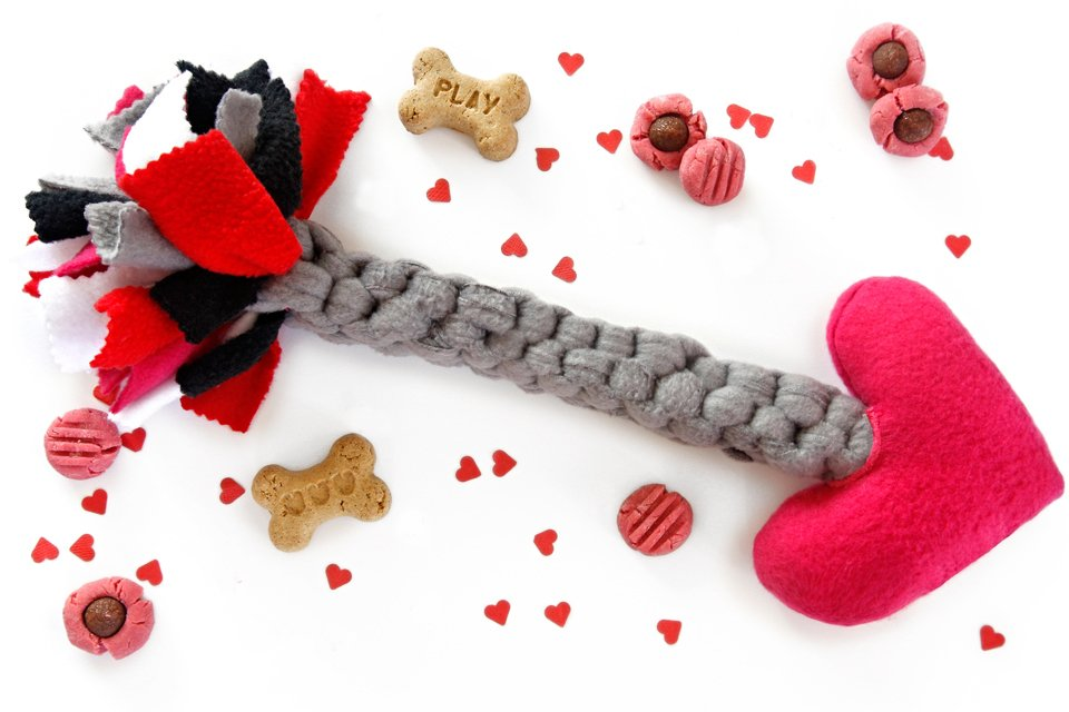 DIY Valentine's Day tug and squeaker Cupid's arrow dog