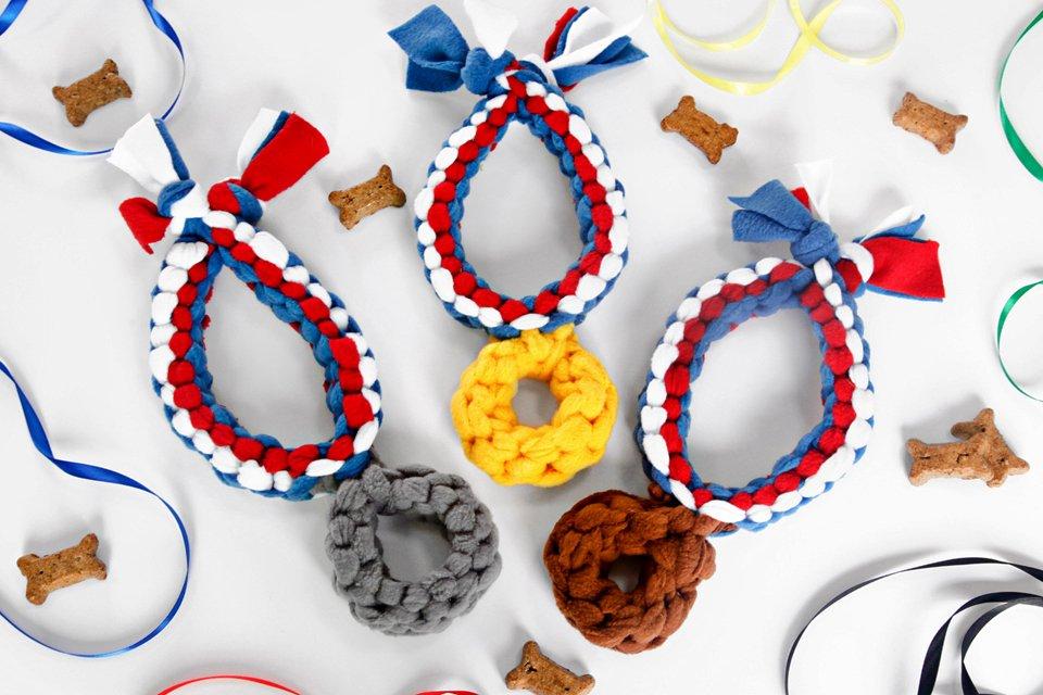 DIY gold silver and bronze medal fleece dog tug toys