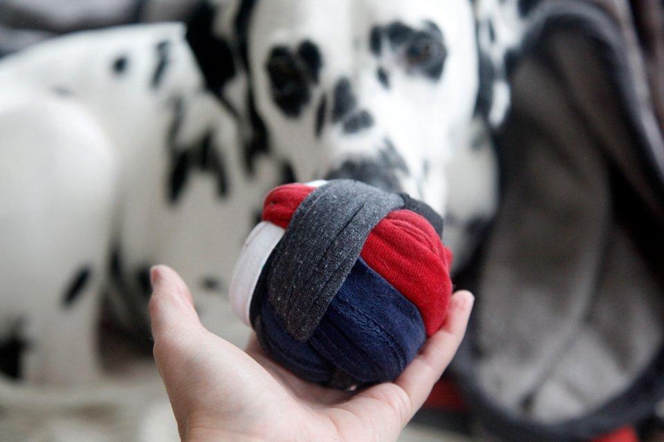 DIY recycled t-shirt hem dog toy ball