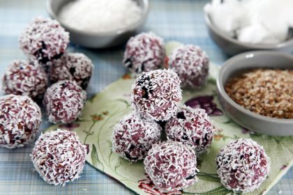 Homemade no-bake berry bliss ball truffle dog treats
