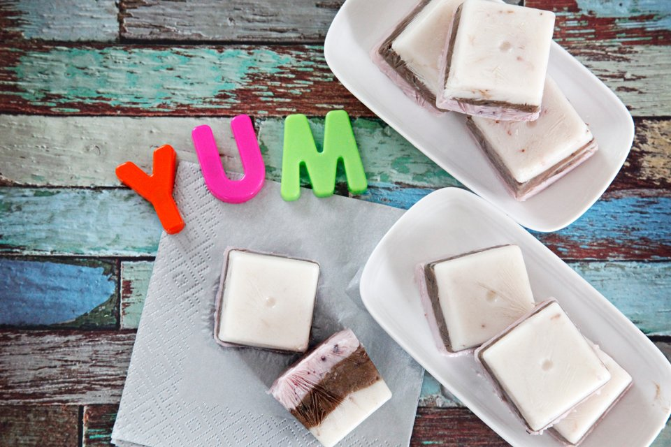 DIY Neapolitan frozen yogurt summer dog treats