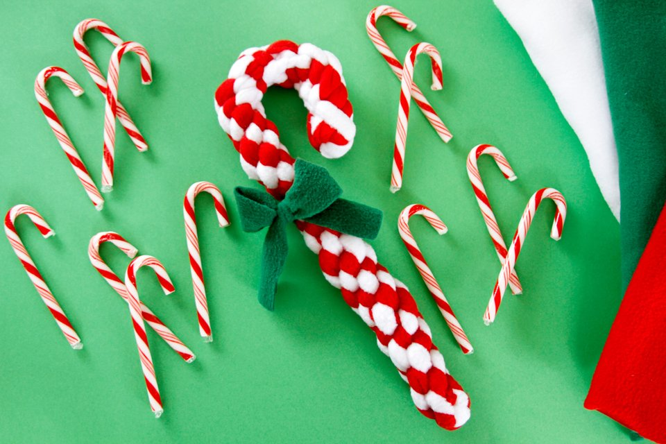 DIY Christmas candy cane dog tug toy