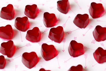 Naturally red beetroot gelatin gummy heart dog treat recipe