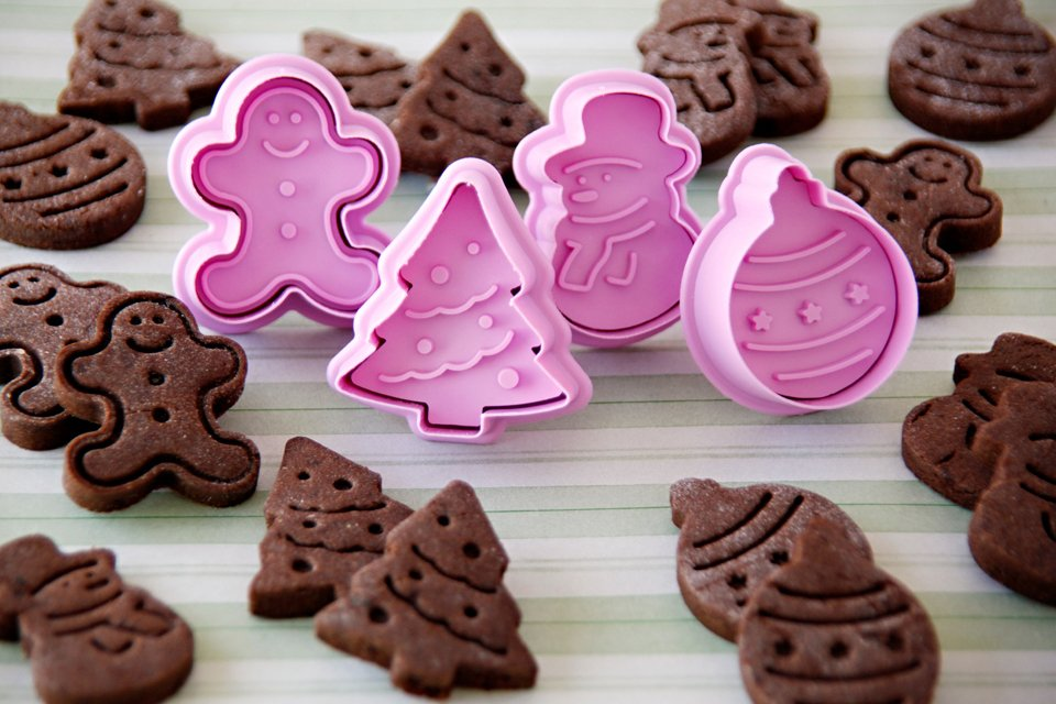 Christmas plunger cutter peanut butter and carob dog treats
