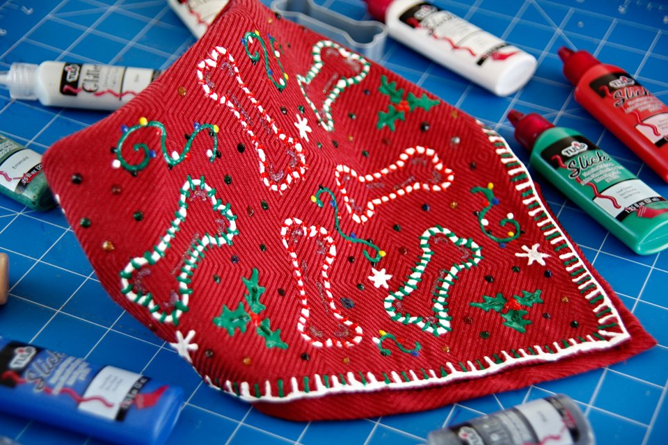DIY no-sew ugly Christmas sweater dog bandana made with fabric paint