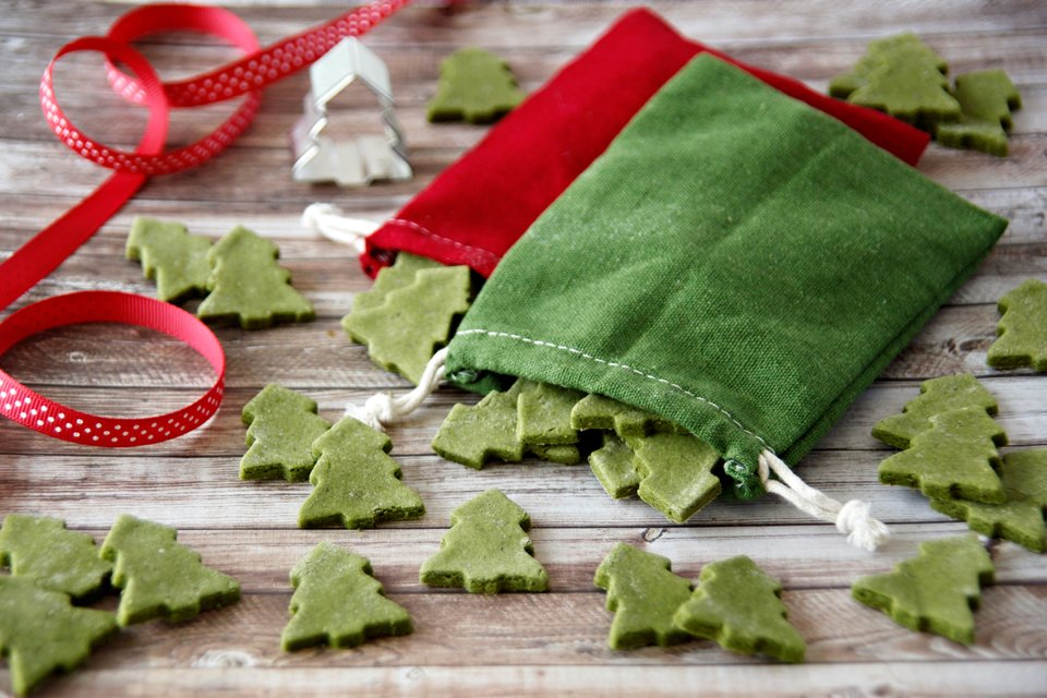 Naturally green Christmas tree dog treat recipe