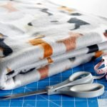 DIY easy no-sew fleece dog blanket
