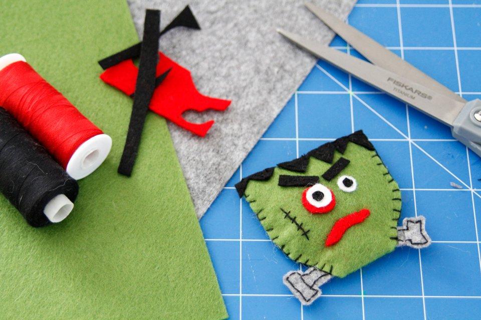 DIY Halloween Frankenstein cat toy made from felt