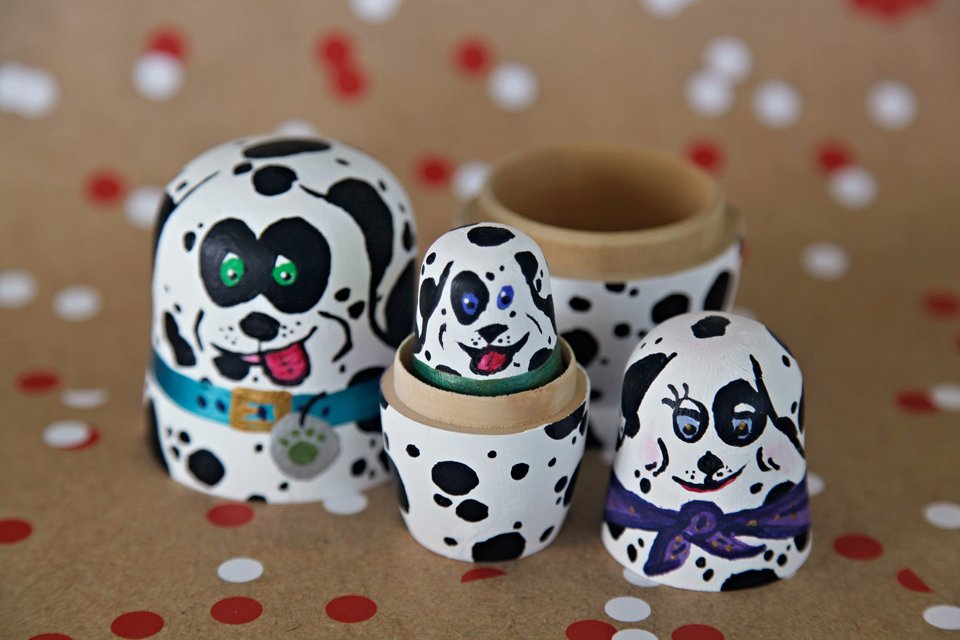Painting DIY Dalmatian dog nesting dolls (Matryoshka)